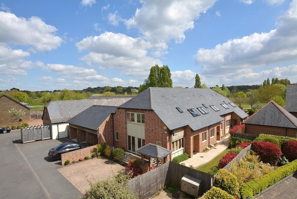 Longham Farm Close, Ferndown